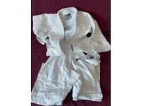Kids' judo white suit, size 150cm (Crawley)