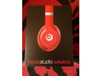 Beats studio wiresless 2 used once in box with accessories