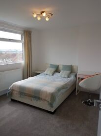 (Double) room right between Croydon and Crystal Palace