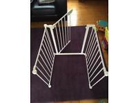 Stair / flexible gate