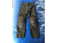 motorcycle leather trousers mens size 32