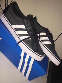 Adidas Adi-Ease Size 10.5 (Boxed)