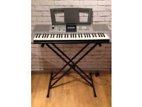 Yamaha PSR E323 Keyboard and Stand