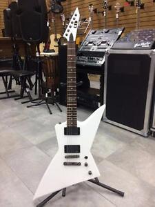 Superbe Guitare électrique ESP LTD EX-360 Explorer EMG pick-ups  #F014221