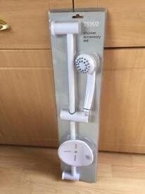 Shower accessory set