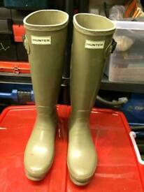 HUNTER clay colour wellies Size 7 tall slim fit adjustable