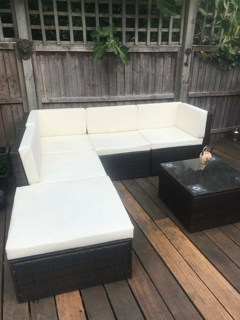 6 PIECE RATTAN EFFECT GARDEN FURNITURE SET - AS NEW