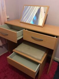 Dressing table beach with mirror and stool