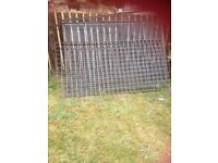 WIRE SCREENS, RAILINGS, MESH WIRE
