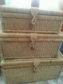 Set of 3 wicker storage chests