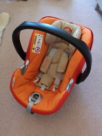 Cybex Aton Q i-Size Car Seat/Baby Carrier with Base