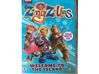 Zingzillas :Welcome to the island! DVD and Dorothy the Dinosaur:Memory Book. DVD