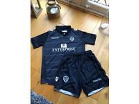 Retro Leeds United football kit size XS