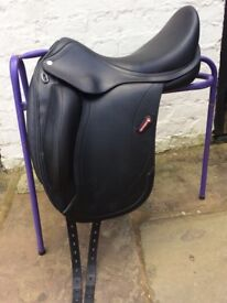 Beautiful Equipe Olympia dressage saddle