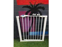 Lindam easy fit plus deluxe safety gate £10!!