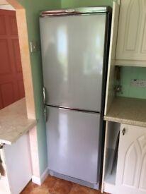 Servis full size fridge-freezer