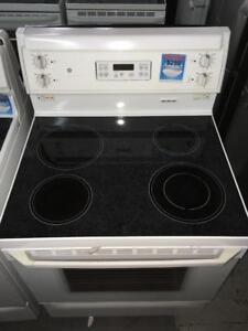 64- Four Cuisiniere Blanche GE (General Electric) White Oven Stove