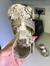 Girls sandals (size 5)