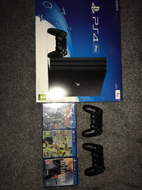 PS4 Pro 1 TB Bundle - 2 Controllers, Fifa17, Battlefield 1, Tom Clancy