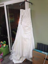 NEW Striking Maggie Sottero 'Debbie' Unworn Wedding Dress (size 18)