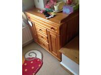 Dresser/ changing table
