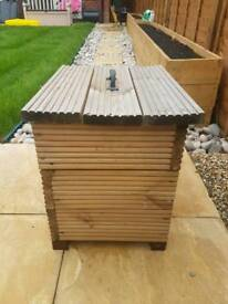 decking style cool box
