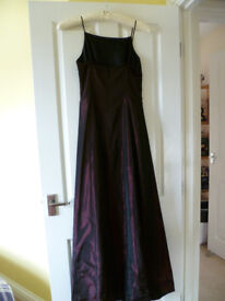 USED Berry coloured Prom/ Bridesmaid dress with matching bag. Size 8