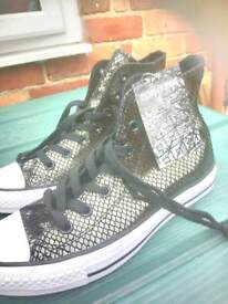NEW converse size 5