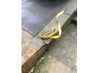 Ratchet securing straps