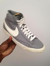 Nike Blazer High Top Grey