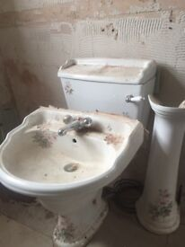 Retro 2 peice cloakroom Suite white with floral detail £50 ONO