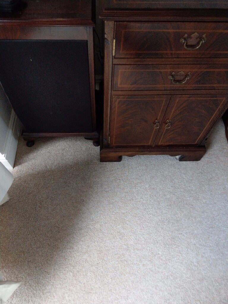Charles sheraton hifi cabinet and speaker boxes