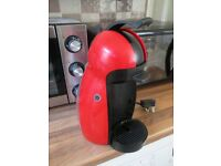 Nescafe Dolce Gusto coffee machine - red