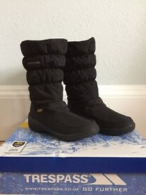 Girls/ ladies new black winter boots size 4 - £19.99, originally priced at £69.99, still in box.