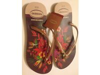 BRAND NEW boxed Havaianas Slim Tropical Print - Rose/ Sand Gold 41/42