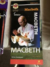 GCSE English books on Macbeth (3)
