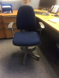 OFFICE DESKS CHAIRS FILING CABINETS FULL OFFICE MUST BE SOLD