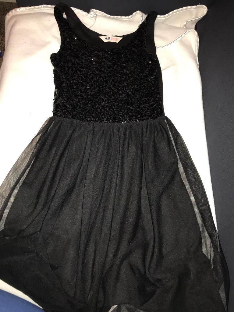 Girls black dress!