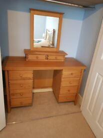Dressing table Solid Oak 8 drawers including mirror with 2 drawers