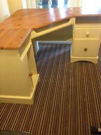 Corner Desk For Sale £40