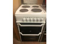 50CM WHITE INDESIT HOTPLATE ELECTRIC COOKER