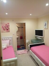 Lovely En-suite Joppa. with Family Hospitality