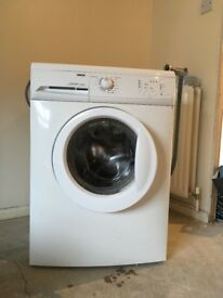 White Zanussi Washing Machine, 6kg Wash Load, 1600 RPM Spin, A Energy Rating.