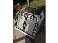 Lintran dog cage for Jaguar XF Sportbrake with removable divider
