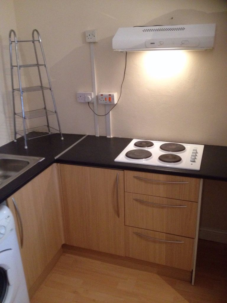 Large Studio Flat To Rent In Ilford For 800pcm All Bills Included Separate Entrance In