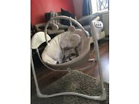Graco Baby swinging chair !!!