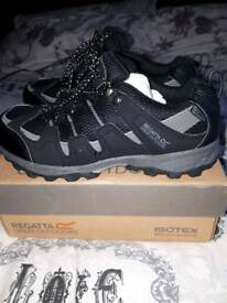 Boys regatta shoes size 2