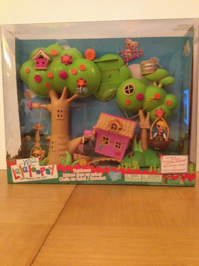 Lalaloopsy minis Treehousein DundeeGumtree - This cute treehouse sits in the large tree. A swing is attached and a basket also operates on a pulley between the two trees. Two mini dolls included. Used in box