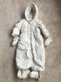 Baby Gap Snowsuit white (18-24month)