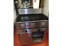 Commercial charcoal grill 2 burners with a stand - very good condition